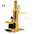 Stapelaar vol elektrisch 1500 KG / hefhoogte 3300 mm
