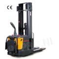 Stapelaar vol elektrisch 1500 KG / hefhoogte 4915 mm