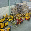 Weeg palletwagen 2500 KG uitlees stap 1 KG/ met oplader